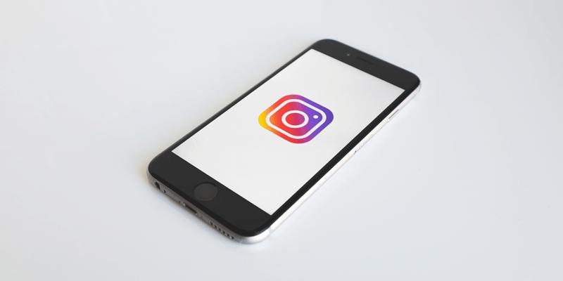 Tips & Tricks: How to Hide Instagram Activity Status