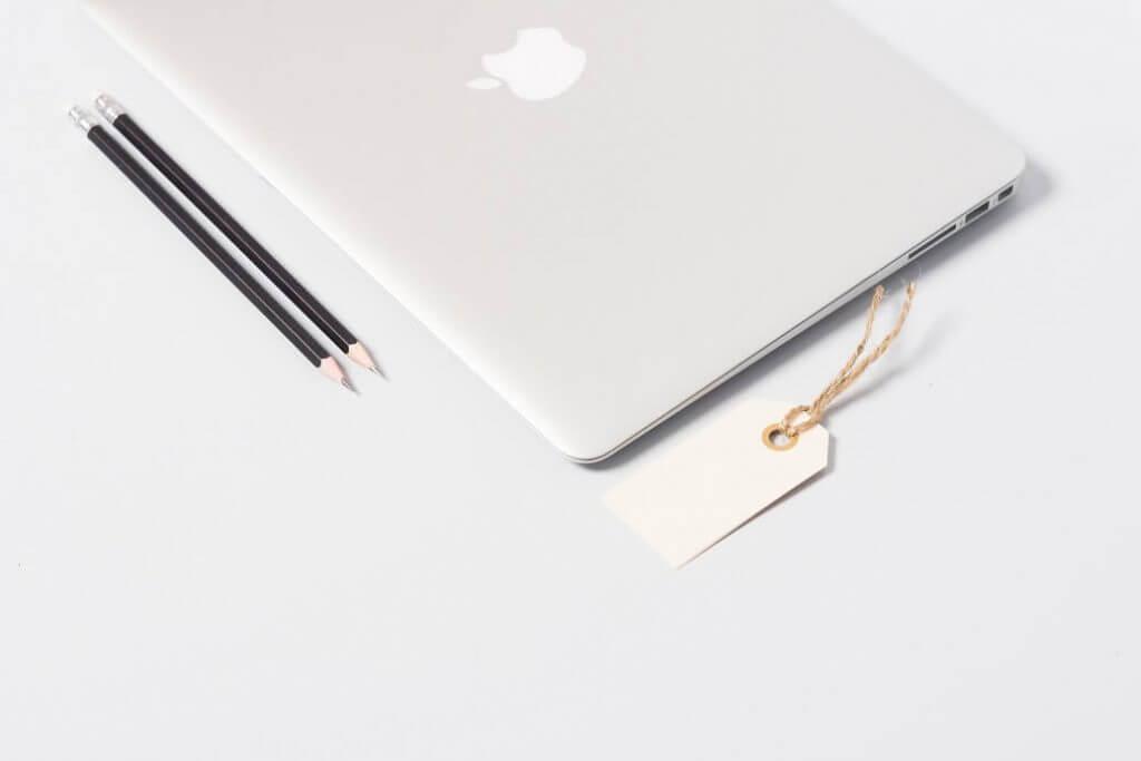 social-media-marketing-tools-laptop